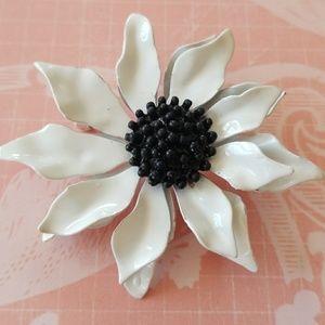 Vintage Enamel Flower Brooch Lin